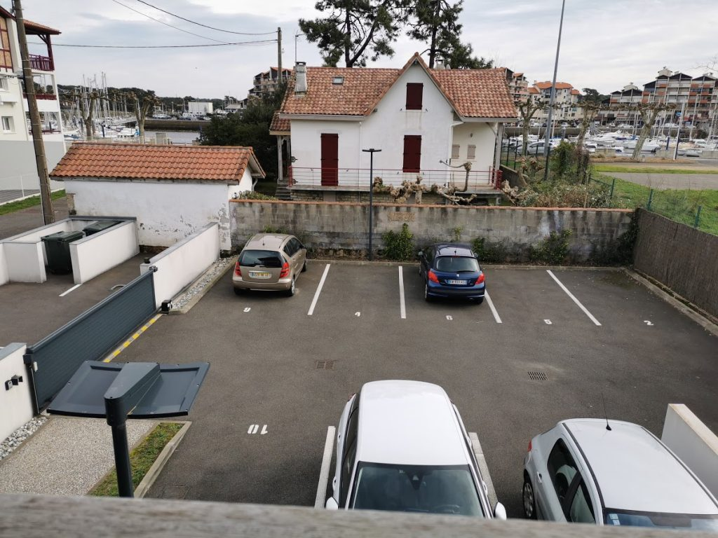 AA-parking sécurisé