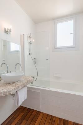 Hotel Océan Capbreton salle de bain
