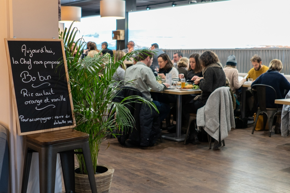 bassedef-Healthy-Cafe–Theo-Cheval-44